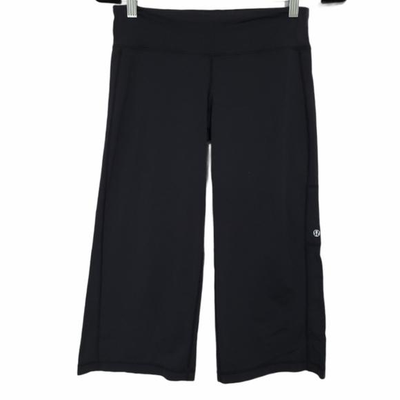Lululemon Wide Leg Capri Pants with Side Pocket